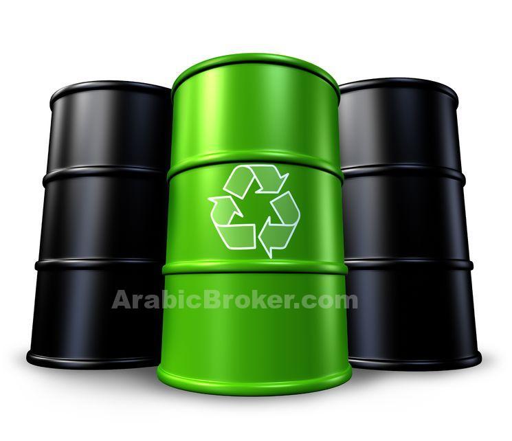 النفط يقفز بدعم من ضعف الدولار وخفض شركات الطاقة الانفاق والوظائف
