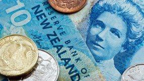 النيوزيلندي قرب من أعلى مستوياته في ثلاثة أشهر