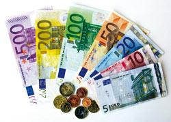 استقرار إيجابي للعملة الموحدة لمنطقة اليورو أمام الدولار الأمريكي في أولى جلسات الأسبوع