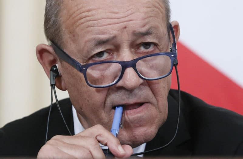 فرنسا تحذر من استقلال الأكراد وتحث حكومة بغداد على تقديم تنازلات