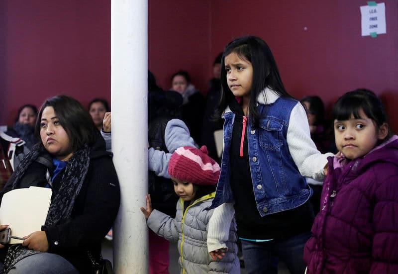 أمريكا ستلغي تدريجيا برنامجا لاستقبال لاجئين أطفال من أمريكا الوسطى