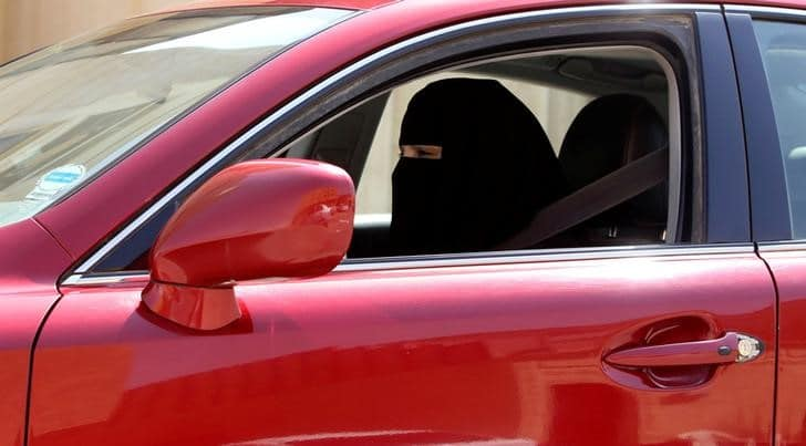 توقعات بانتعاش سوق السيارات السعودية بعد السماح للنساء بالقيادة