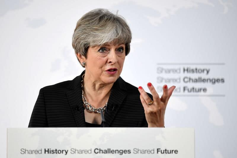 """بي بي سي: رئيسة الوزراء البريطانية تقول إن حظر أوبر في لندن """"يتجاوز المعقول"""""""