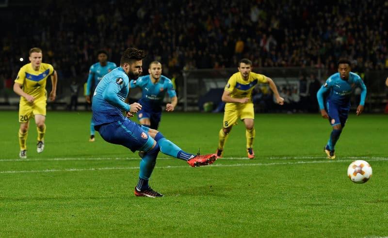 جيرو لاعب أرسنال يدخل نادي المئة في انتصار بالدوري الأوروبي
