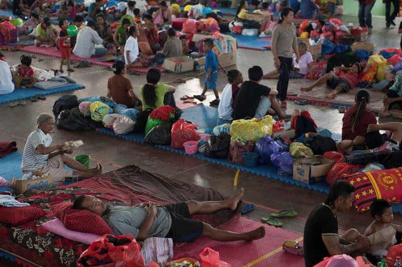 فرار نحو 135 ألفا وسط مخاوف من ثوران بركان في بالي بإندونيسيا
