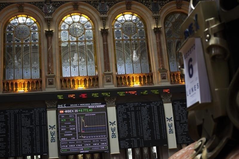 مؤشرات الأسهم في إسبانيا هبطت عند نهاية جلسة اليوم؛ إيبكس 35 تراجع نحو 0.59%