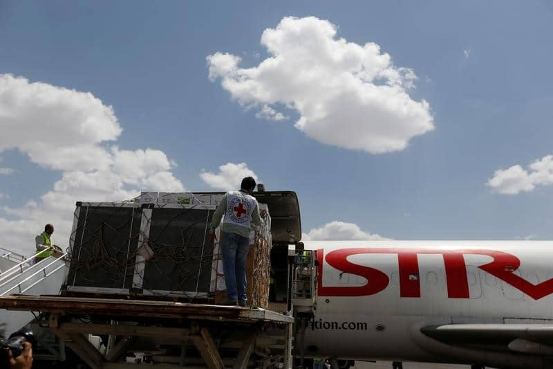 وكالة: خروج مطار صنعاء من الخدمة بعد غارة للتحالف بقيادة السعودية