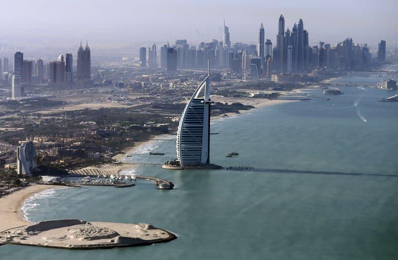 الإمارات تمنح 6800 مستثمر أجنبي إقامة دائمة وفق نظام جديد