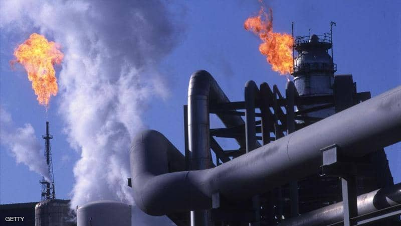 النفط يعزز مكاسبه في انتظار بيانات المخزونات الأمريكية