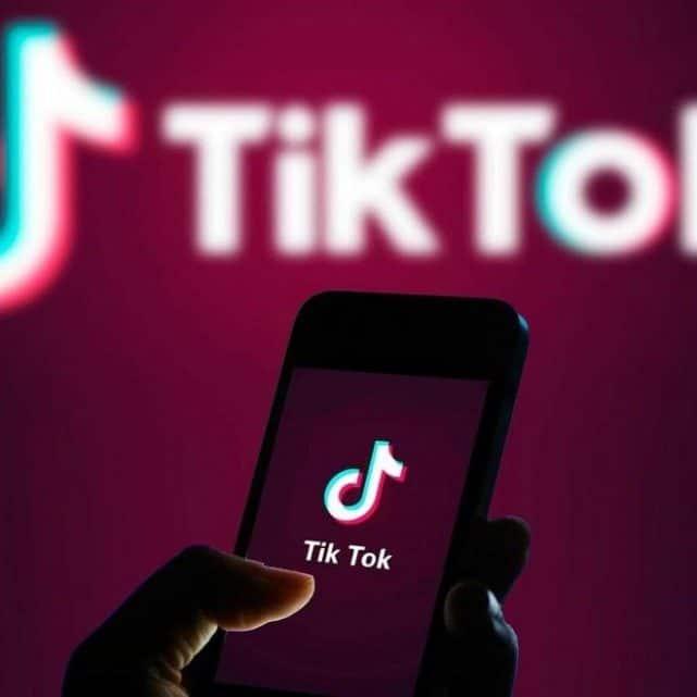 «تيك توك» تدخل عالم التجارة الإلكترونية بشراكة مع «شوبيفاي»