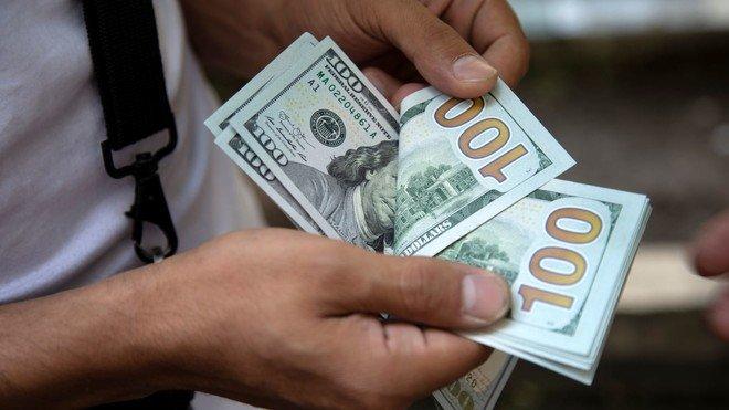 الدولار يستقر وسط شهية محدودة للمخاطرة بفعل إغلاقات أوروبا