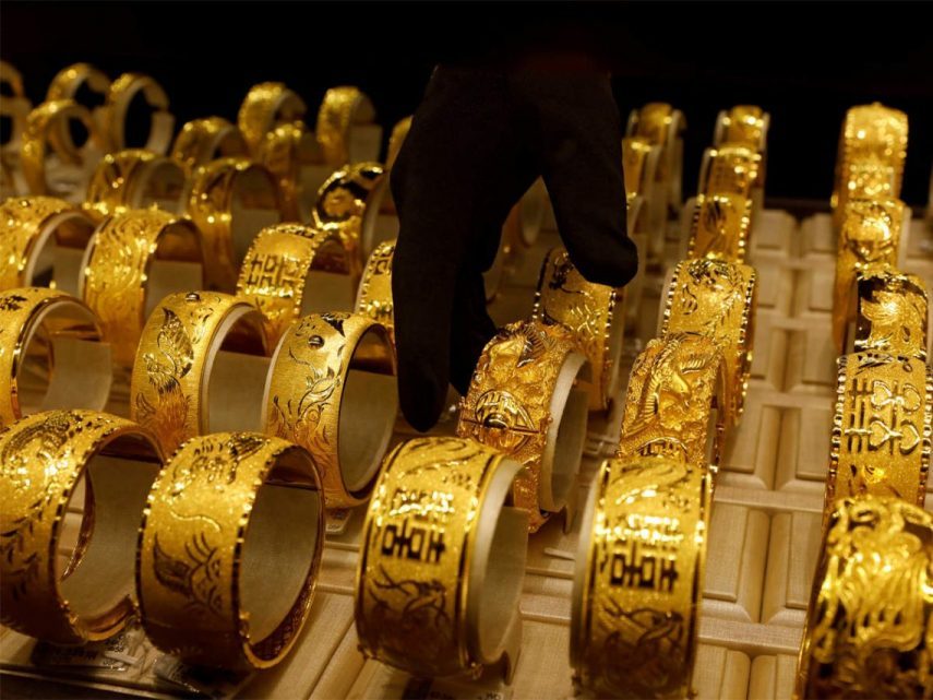 الذهب يسجل أكبر انخفاض يومي في أسبوعين