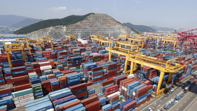 تراجع صادرات كوريا الجنوبية في أكتوبر متأثرة بعودة تفشي كوفيد19-