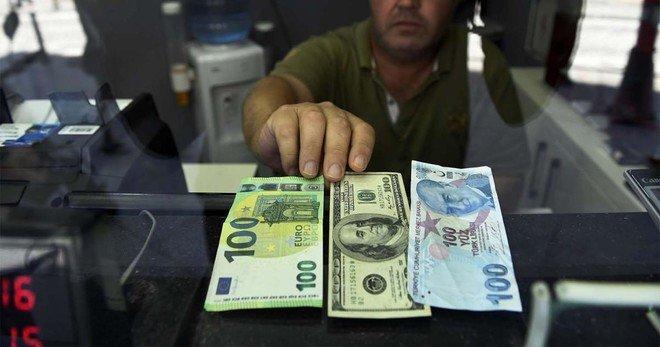 الليرة التركية تواصل خسائرها والدولار عند أكثر من 8.4 ليرة