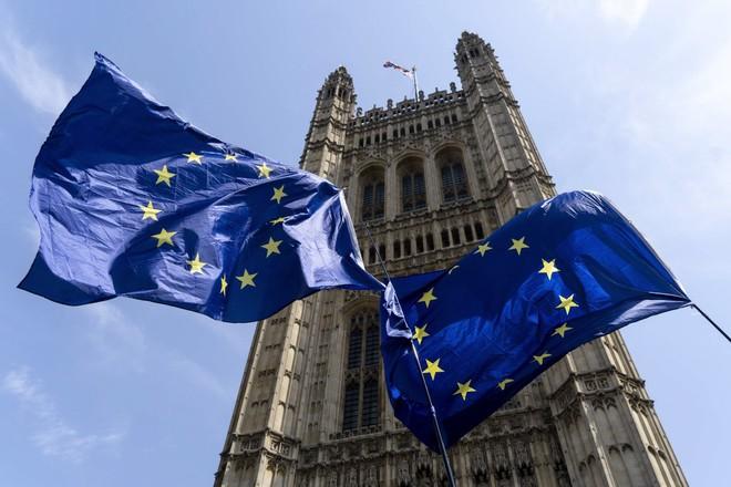 وزراء مالية منطقة اليورو يبحثون التداعيات الاقتصادية لجائحة كورونا