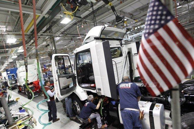 بايدن يعود لمجابهة أزمة اقتصادية جديدة لكن ليس كسادا عظيما