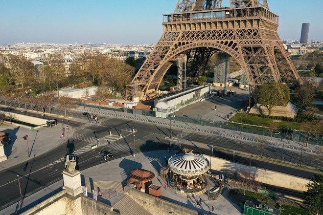 فرنسا: تراجع النشاط الاقتصادي 12 % بسبب إجراءات العزل