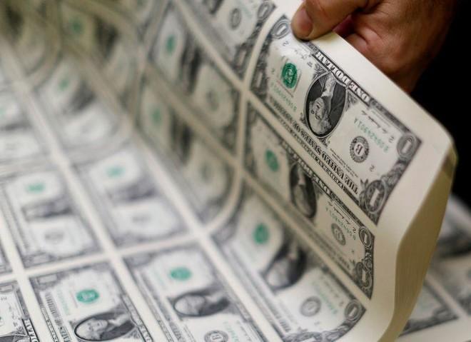 تراجع شديد لمؤشر الدولار منذ تفشي كوفيد - 19 .. هوى 10 % مقابل سلة من العملات