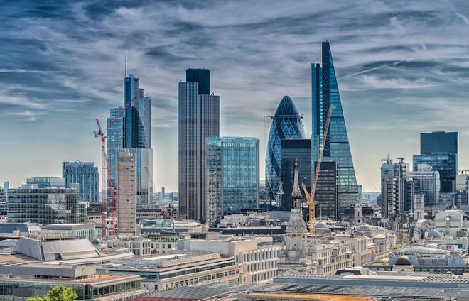 بريطانيا تتجه لاقتراض 400 مليار إسترليني في 2020