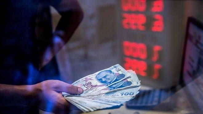 الليرة التركية تنخفض 1.3 % مقابل الدولار