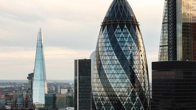 اقتصاد بريطانيا ينكمش في ظل قيود جديدة لمكافحة الجائحة
