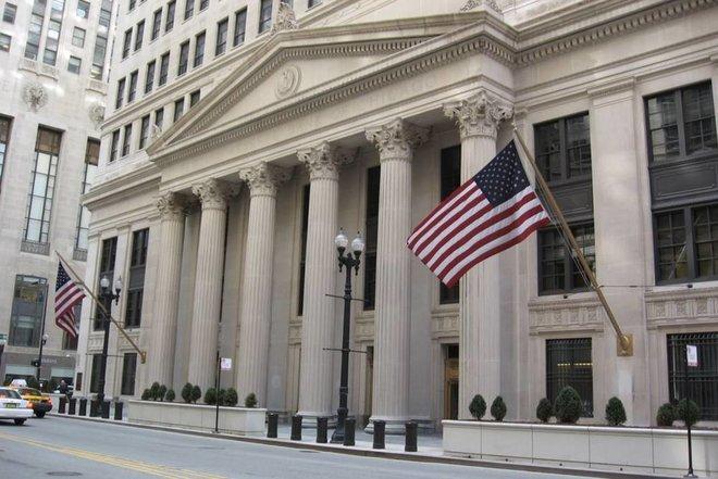 تدخل محتمل للفيدرالي الأمريكي في سوق السندات لتجنب ارتفاع نسب الفائدة