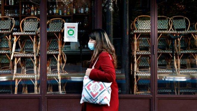 أمريكا تقترب من الترخيص للقاح ضد كوفيد-19 وفرنسا تخفف التدابير