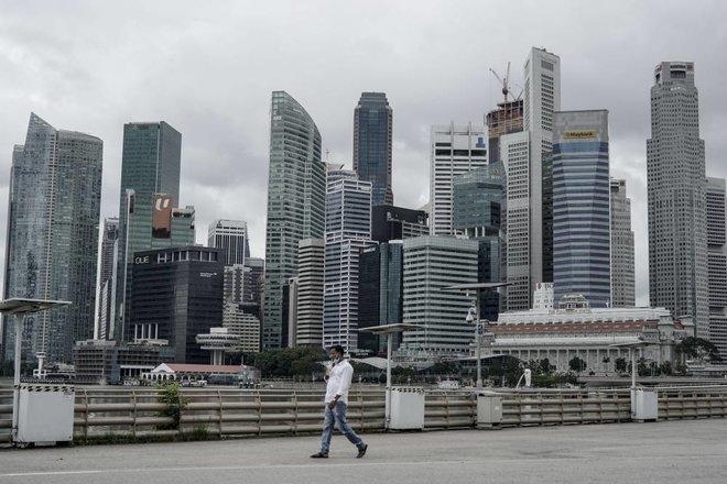 سنغافورة تسجل أسوأ ركود اقتصادي في تاريخها .. تدهور يدق ناقوس الخطر