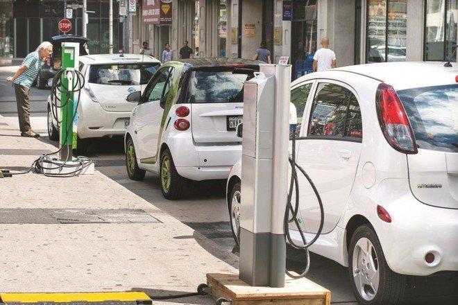 إندونيسيا تدرس تقديم حوافز لخفض أسعار السيارات الكهربائية