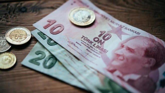 بعد دفاع الحكومة عن السياسات المالية .. الليرة التركية تبلغ أدنى مستوى في 3 أسابيع