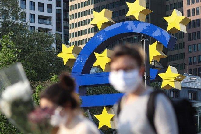 المعنويات في منطقة اليورو ترتفع أكثر من المتوقع في فبراير