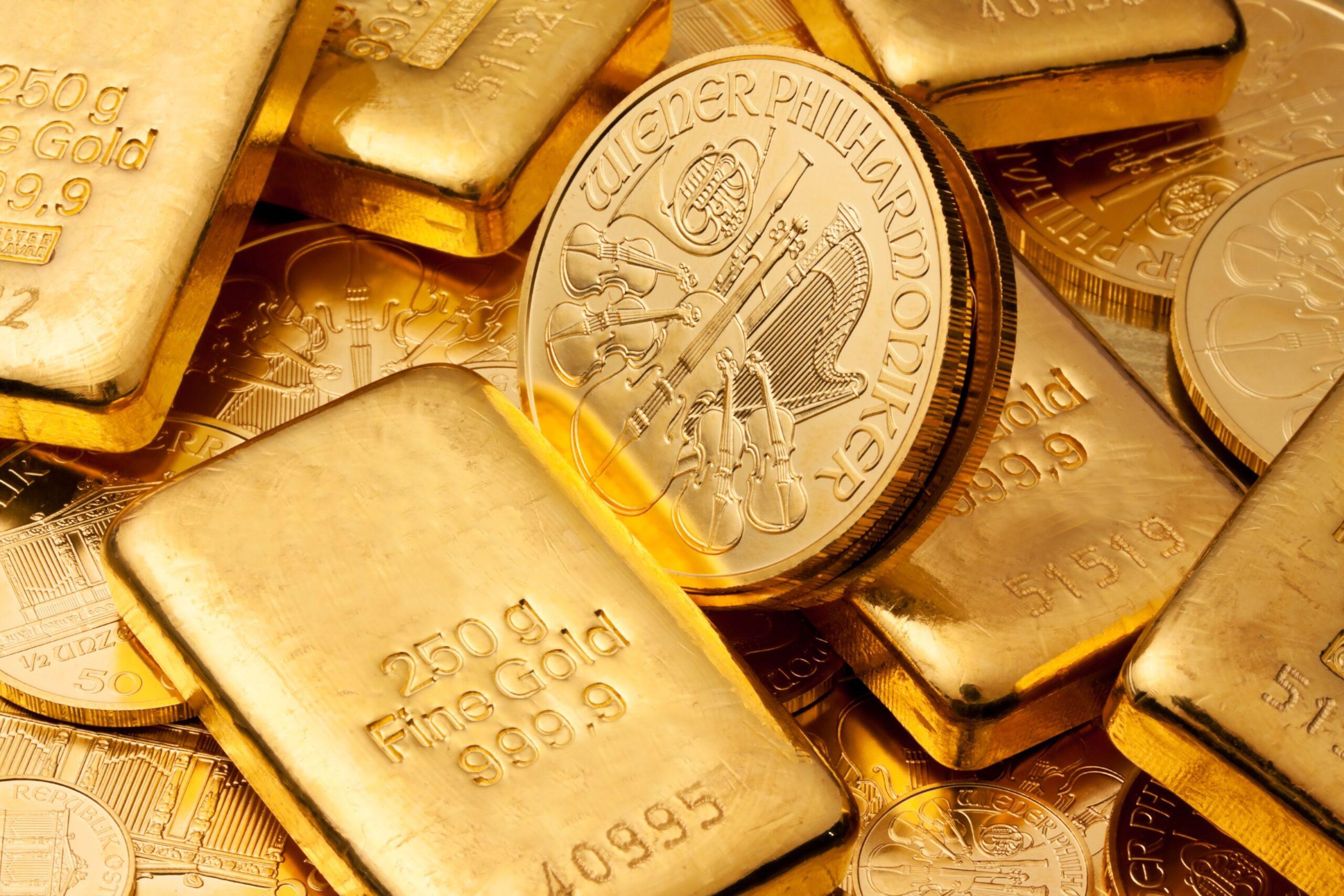 الذهب يغلق على ارتفاع تزامنا مع انخفاض الدولار وأسواق الأسهم