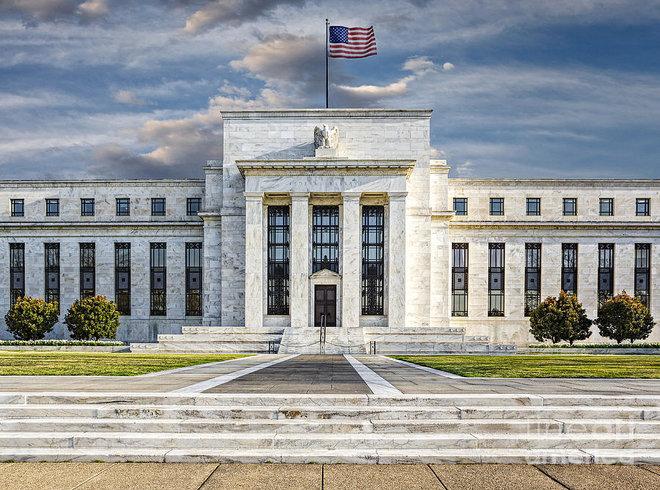 الاحتياطي الفدرالي يبقي على سياسته وسط مخاوف من ارتفاع التضخم