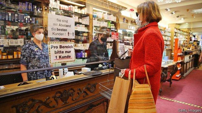 مبيعات التجزئة الألمانية تهوي وتجارة الإنترنت تقفز 31.7 % بفعل الإغلاق